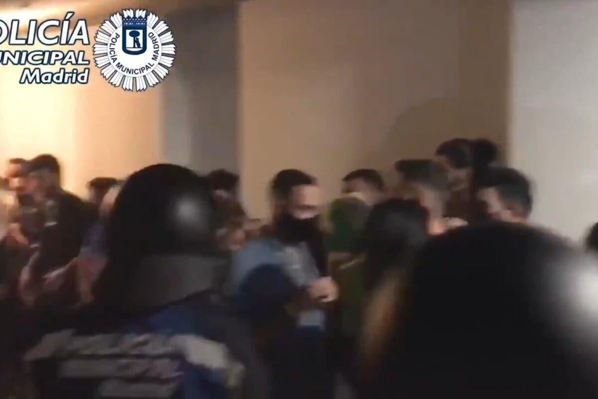 Desalojan una fiesta ilegal con 75 personas en un local de Chamberí