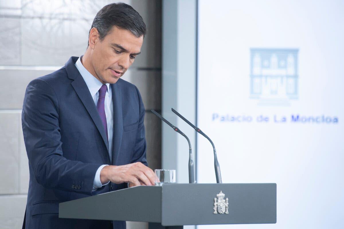 Una encuesta confirma el declive de Sánchez: el PP se consolida y podría gobernar con Vox