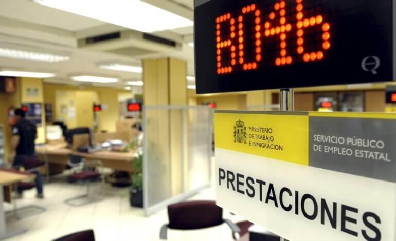 España supera los cuatro millones de parados por primera vez desde 2016