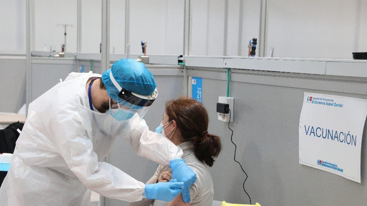 Madrid supera el millón de vacunas administradas y el martes comenzará a vacunar a población general de 60 a 65 años