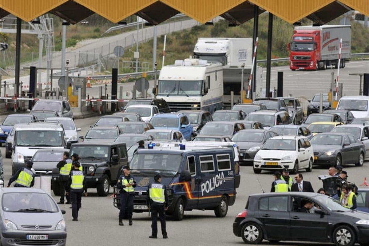 España exigirá ahora, como ya hacía Francia, una PCR negativa en la frontera terrestre