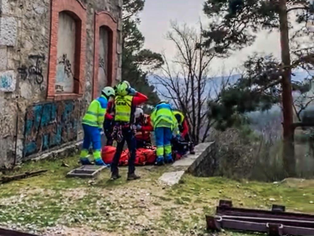 Tragedia en una estación de Cercanías: un adolescente cae desde la catenaria por una descarga eléctrica