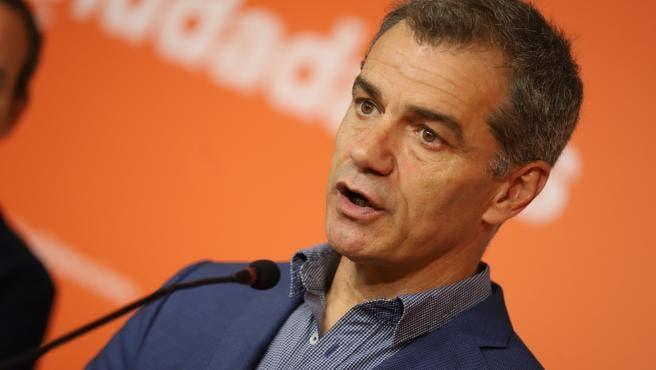 Ayuso ficha a Toni Cantó para las elecciones del 4 de mayo