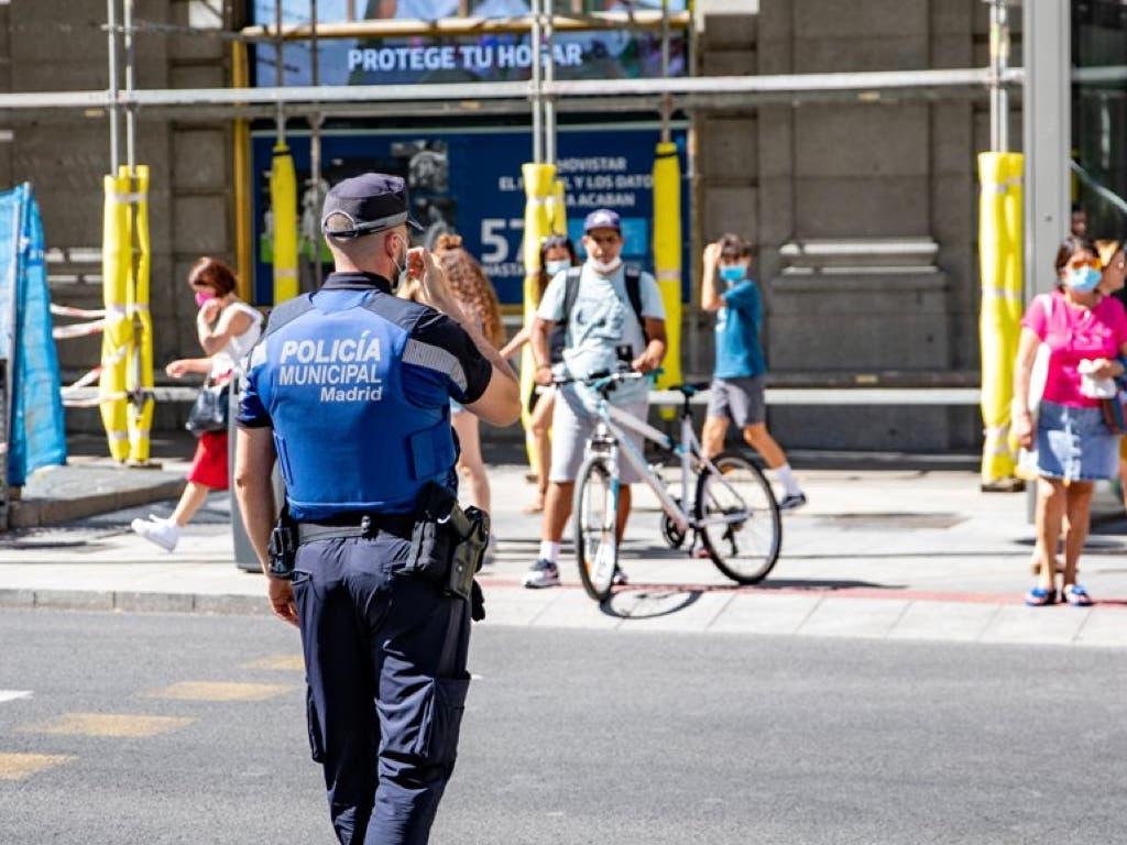 Madrid mantiene el toque de queda hasta el 9 de mayo y confina tres nuevas zonas y una localidad
