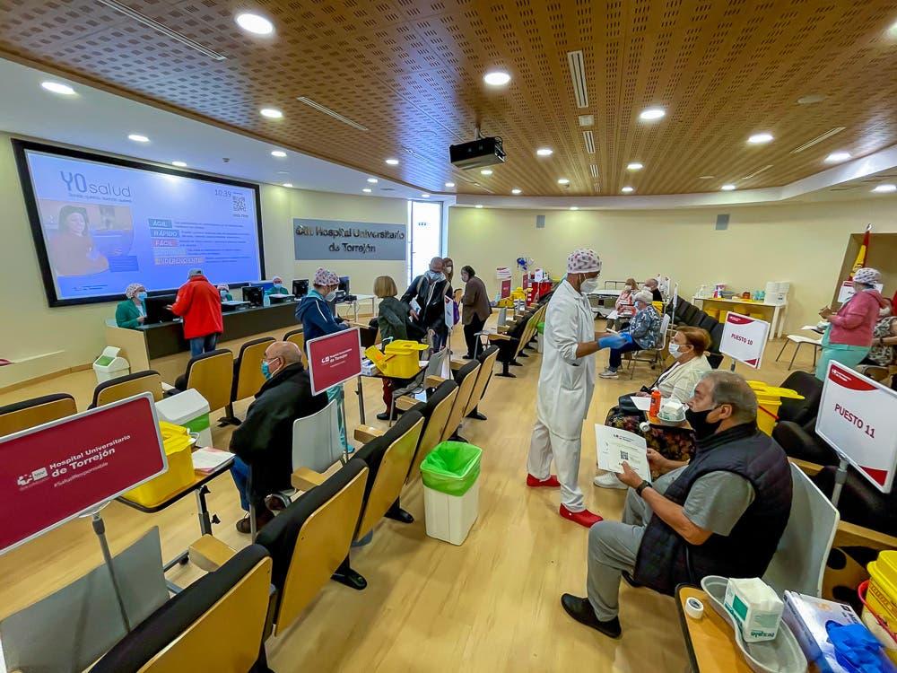 El Pleno de Torrejón insta nuevamente al Gobierno a que suministre más vacunas a Madrid