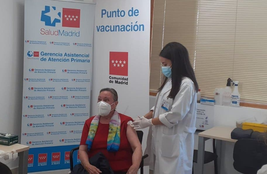 Madrid permite a mayores de 75 pedir cita previa para vacunarse en su centro de salud