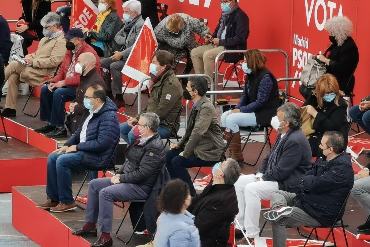 El alcalde de Alcalá de Henares también asistió al mitin de Sánchez en una zona confinada
