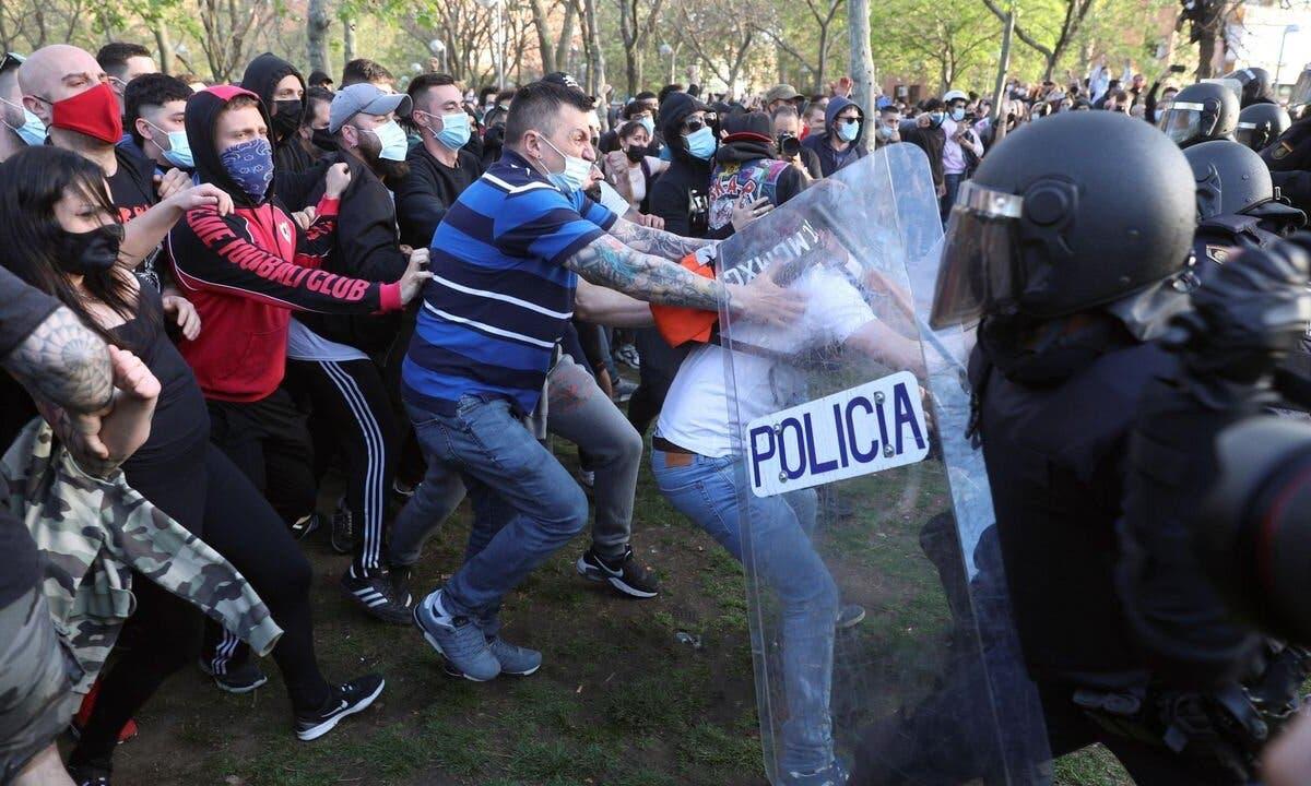 Cinco nuevos detenidos por los disturbios del mitin de Vox en Vallecas