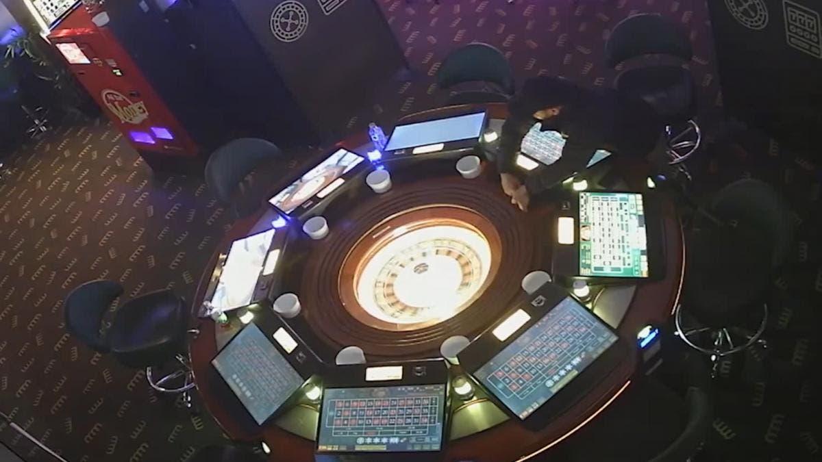 Tres detenidos por amañar ruletas electrónicas en 19 salones de juego de Madrid