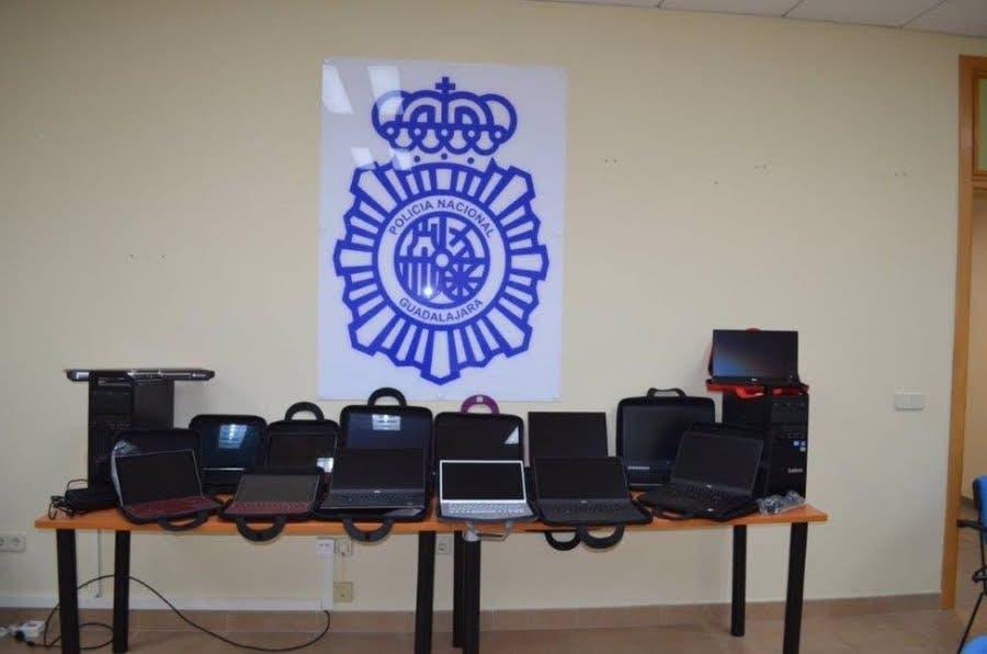 Detenido tras irse sin pagar 23.000 euros en ordenadores y tablets en una tienda de Guadalajara