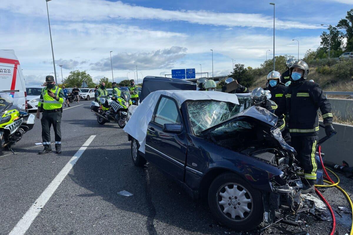 Mueren dos conductores, de 86 y 35 años, tras chocar frontalmente en la M-50