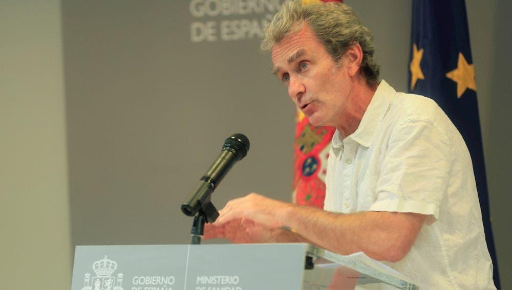 España permite la llegada de turistas extranjeros sin PCR y Simón avisa: «Preferiría que fuéramos más cautos»