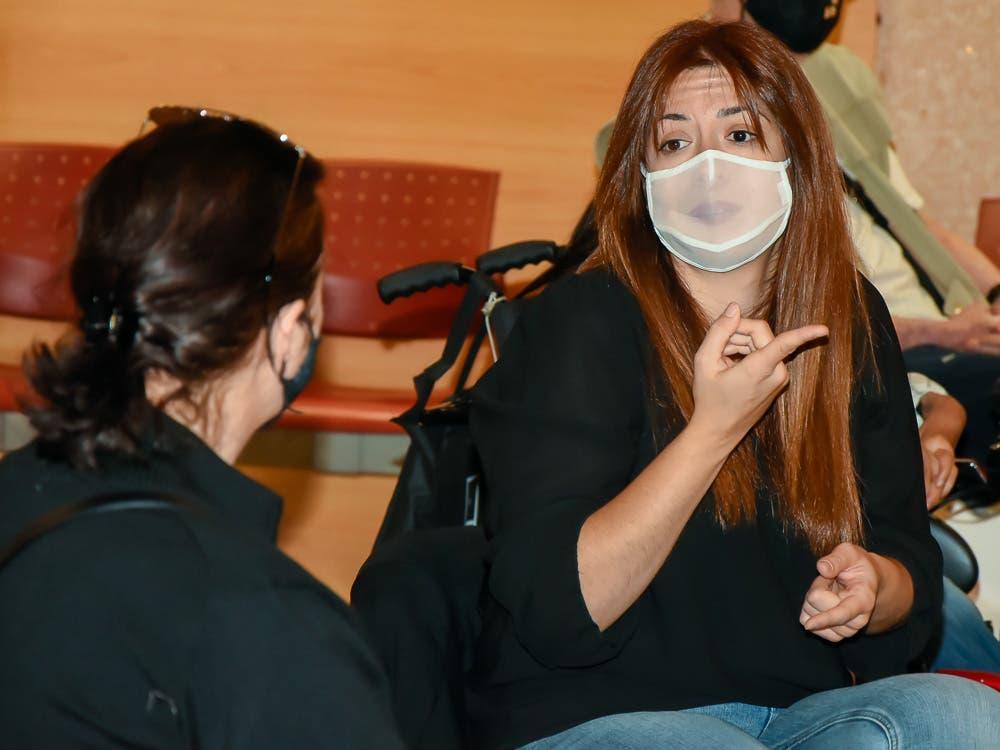 Entregan mascarillas transparentes para personas con déficit auditivo en Torrejón de Ardoz