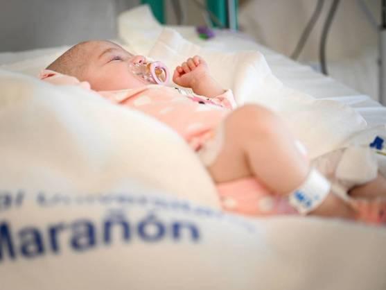 El Marañón realiza un trasplante pionero en el mundo a un bebé