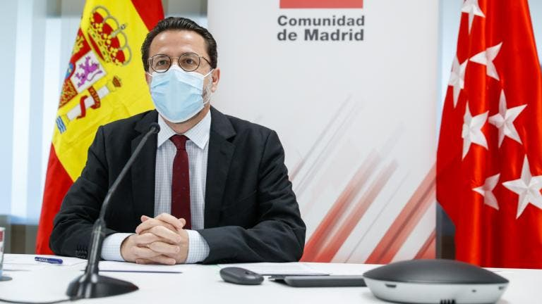 Madrid denuncia que el Gobierno está retrasando las ayudas a empresas
