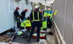 Muy grave un trabajador en Loeches tras caerle encima una puerta metálica de 400 kilos