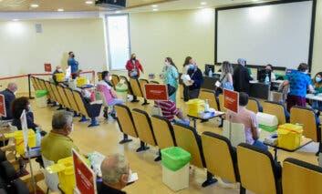 La Comunidad de Madrid enriesgo medio-bajo tras bajar la incidencia de 100 casos