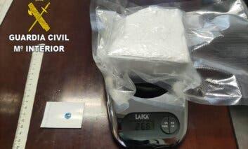 Detenido un conductor en la A-2con una roca de cocaína de 266 gramos
