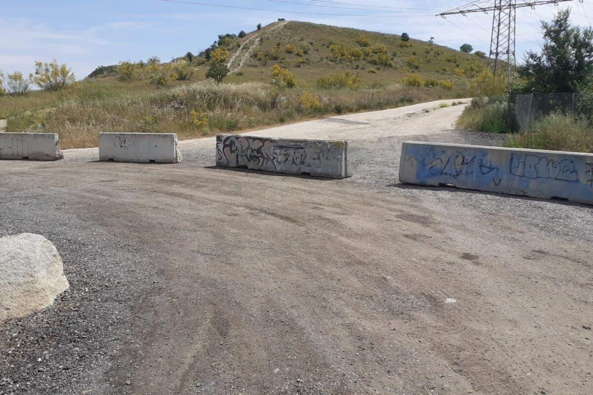Coslada corta un camino donde se producían vertidos ilegales