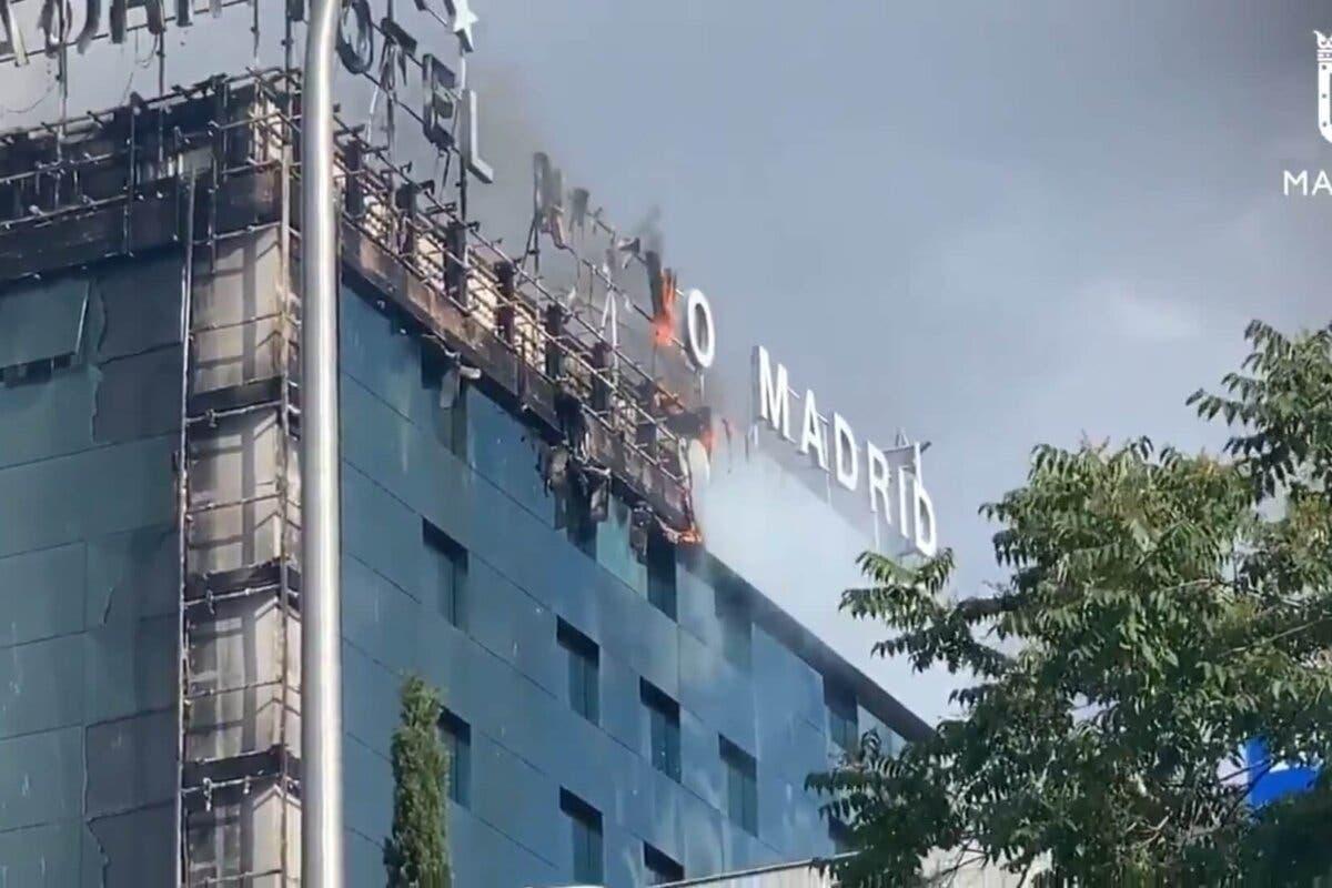 Un incendio en un hotel de Madrid obliga a desalojar a unas 200 personas