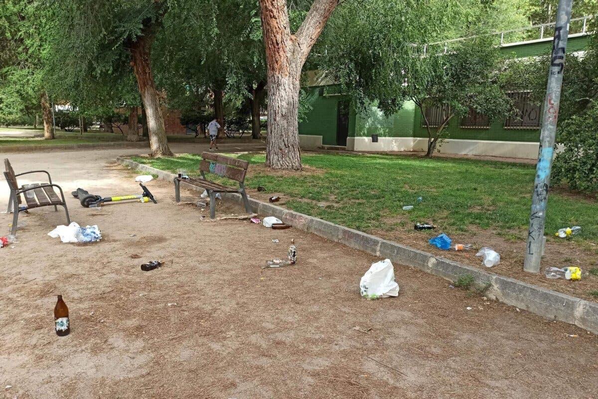 Alertan de aumento de botellones en Alcalá de Henares y exigen al alcalde más control