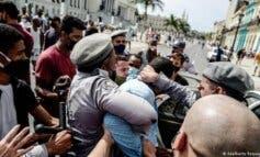 Ayuso se solidariza con Cuba frente al silencio del Gobierno español ante la represión comunista