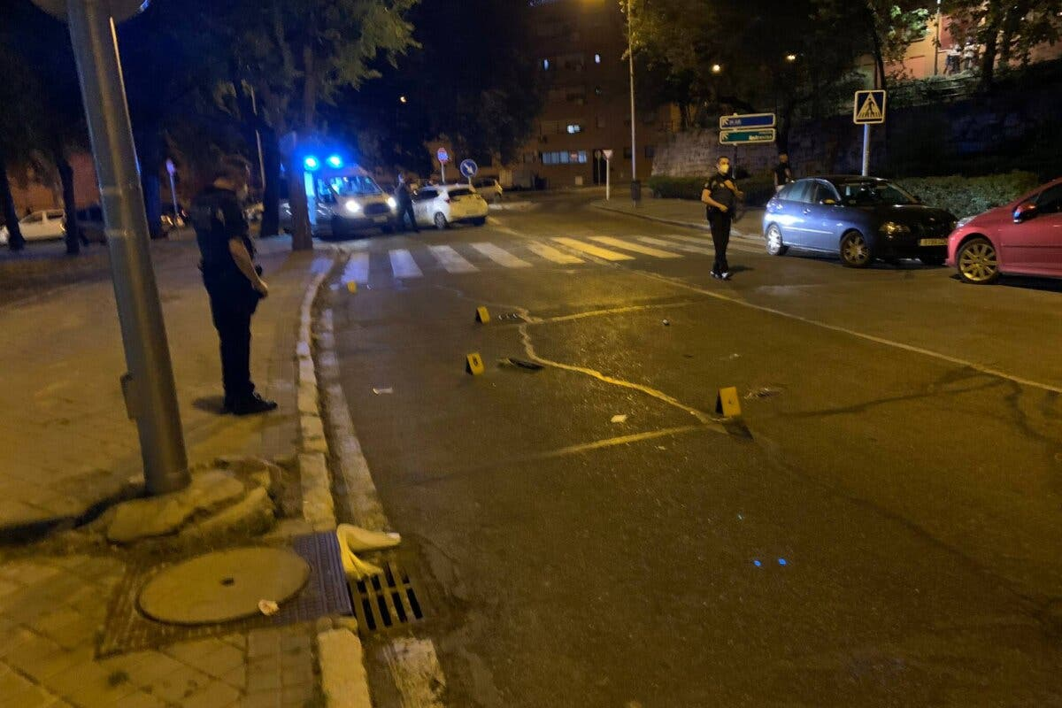 Buscan a un conductor fugado tras un atropello muy grave en Entrevías