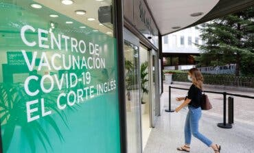 El Corte Inglés, Acciona y Santander comienzan a vacunar a población general en Madrid