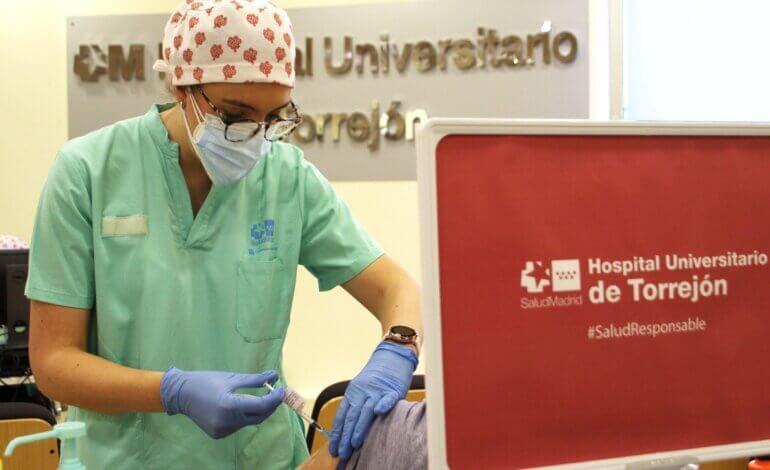 La incidencia baja de 100 en todos los grandes municipios del Corredor del Henares