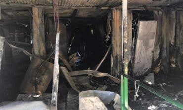 Un incendio obliga a cerrar la piscina municipal de Algete