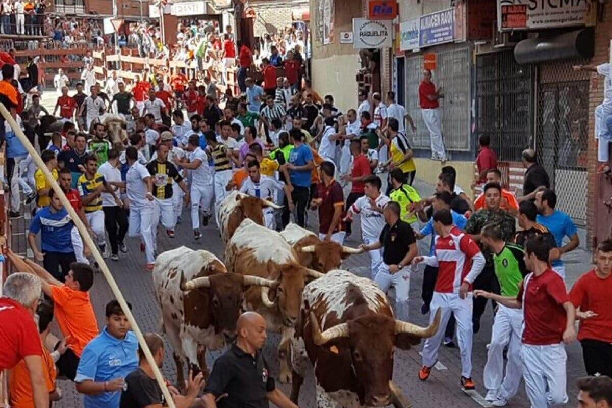 Madrid suspende las verbenas y los festejos taurinos en la calle este mes de agosto