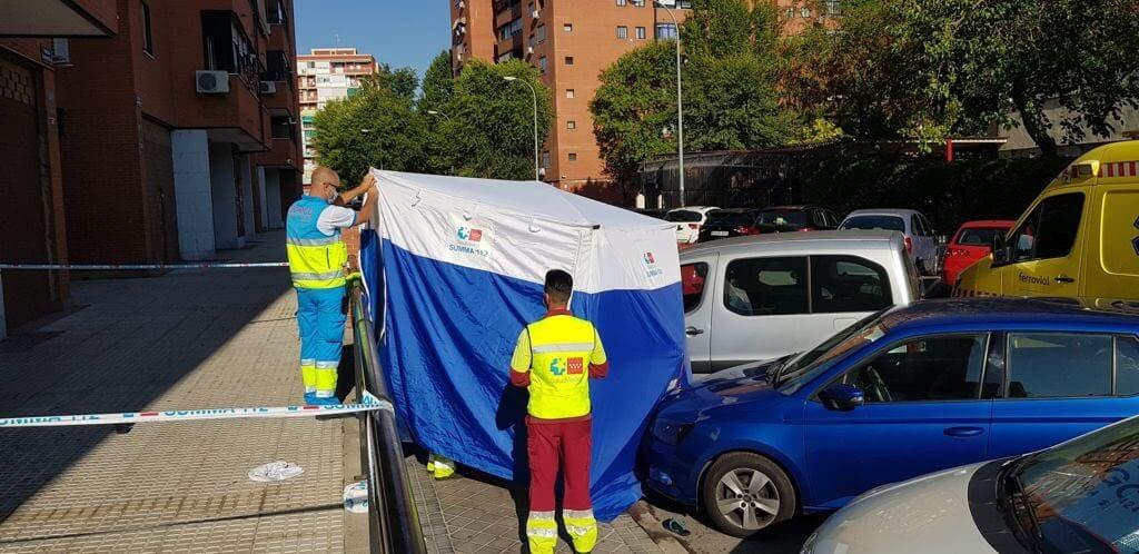Muere una mujer al caer de un quinto piso mientras limpiaba los cristales en Fuenlabrada