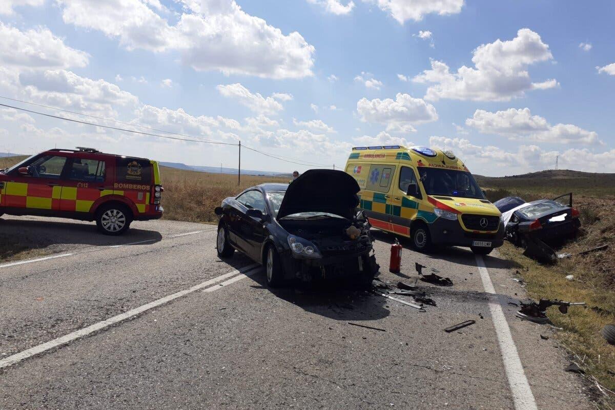 Muere un conductor tras un choque frontal entre dos vehículos en Daganzo de Arriba