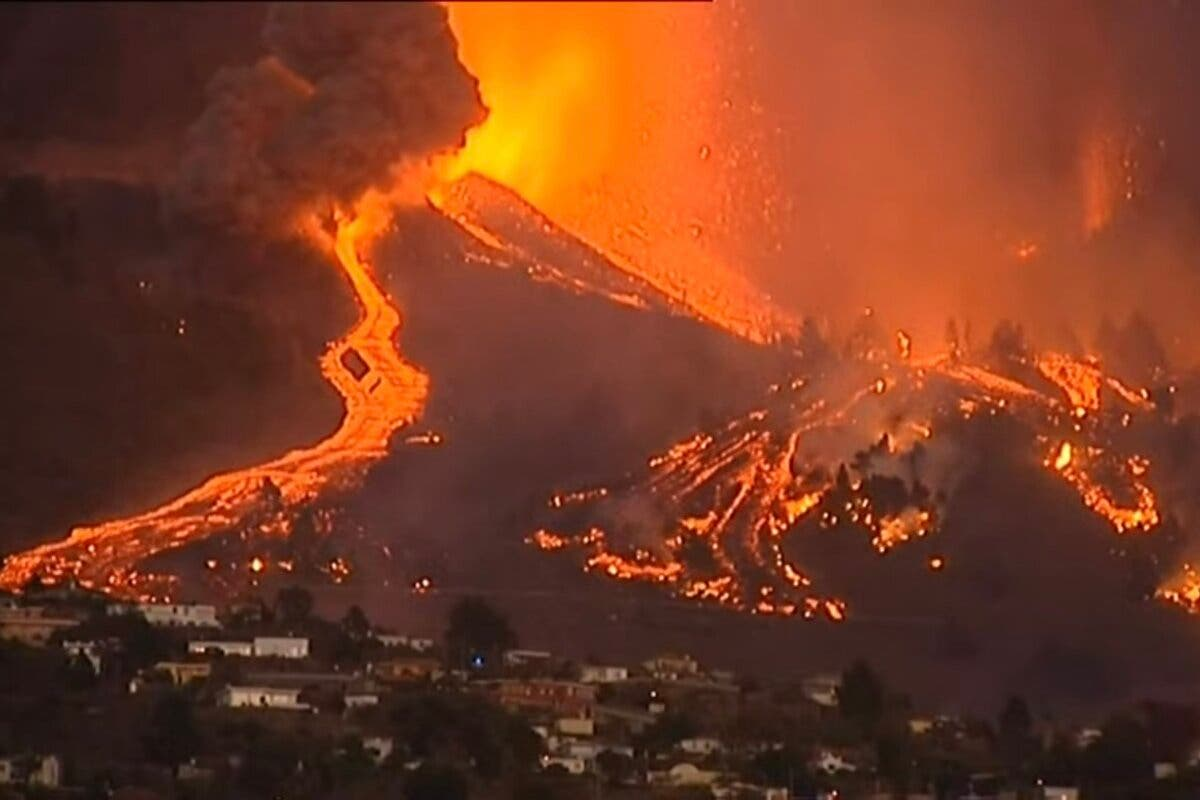 Ayuso ofrece a Canarias «la ayuda que necesite» tras la erupción volcánica