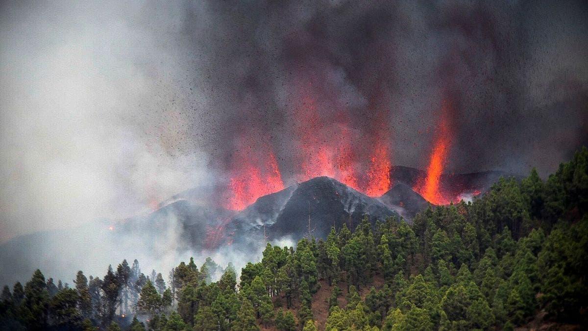 Sánchez aplaza su viaje a EEUU y se desplaza a La Palma por la erupción volcánica