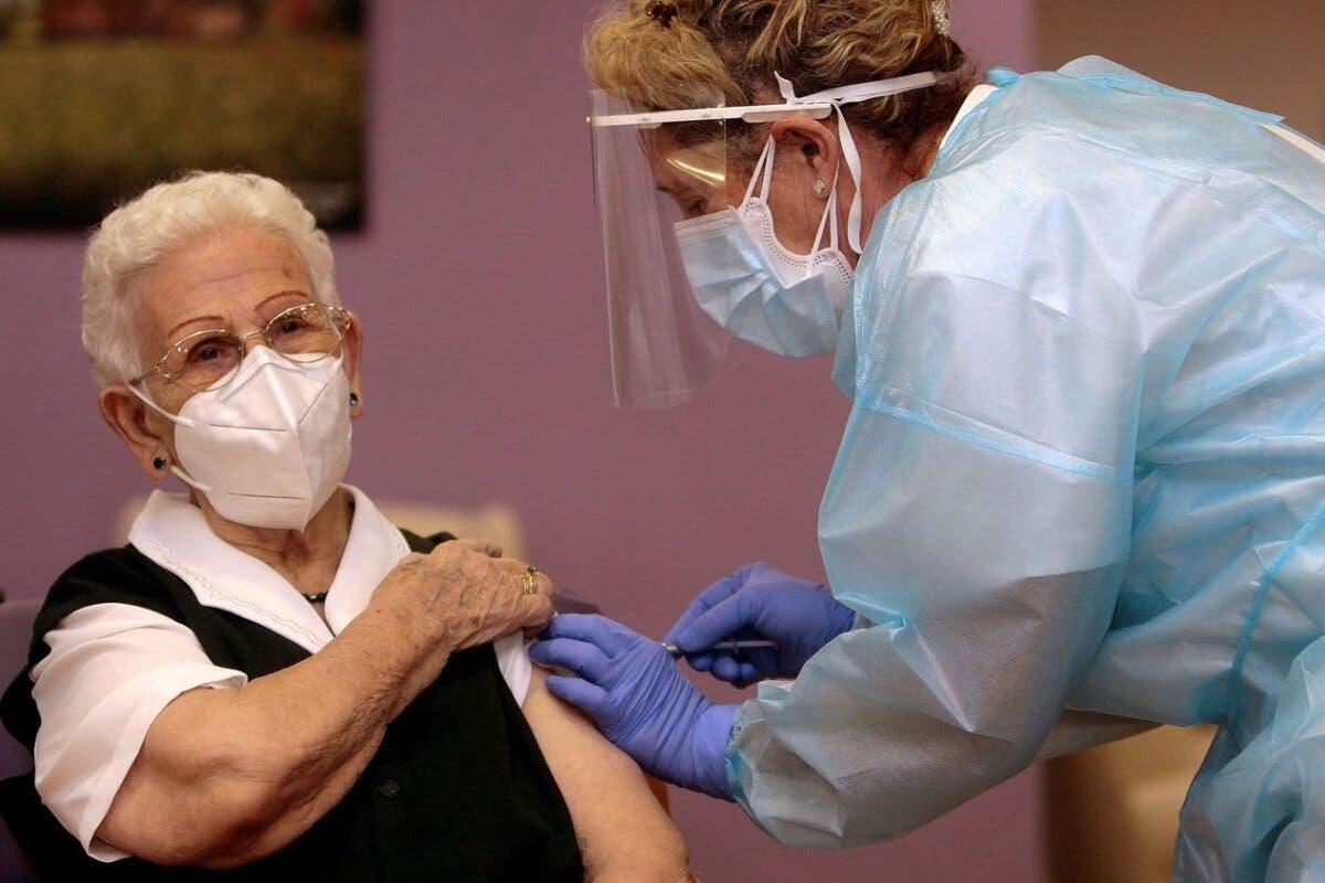 Guadalajara: Araceli será la primera persona en recibir la tercera dosis en Castilla-La Mancha