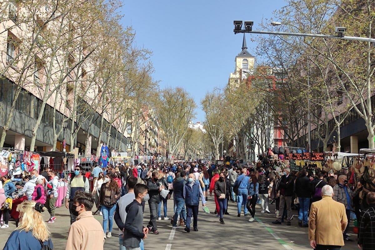 El Rastro de Madrid recupera este domingo la normalidad y el 100% de los puestos