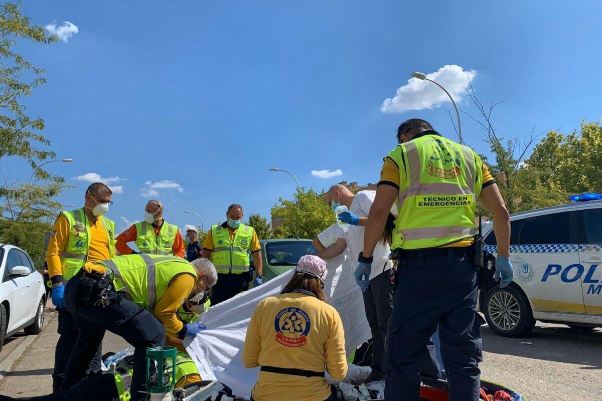 Muy grave una mujer arrollada por un coche cuando cruzaba un paso de cebra en Vallecas