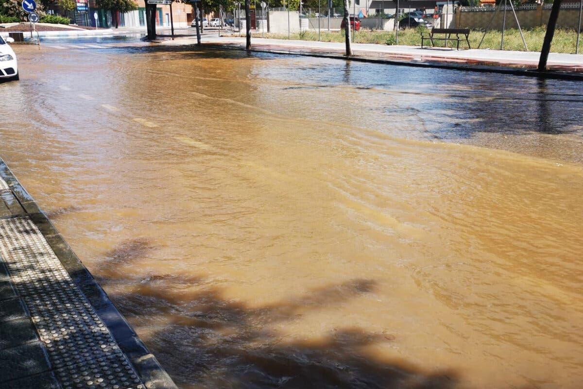 Varias horas sin agua en Azuqueca por la rotura de una tubería