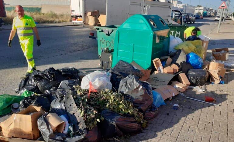 Cabanillas contrata detectives para localizar a quienesvierten residuos en las calles de los polígonos