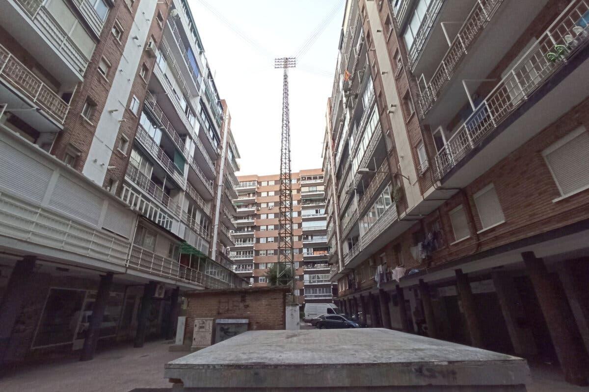 Caballería Española, en Alcalá de Henares, «un barrio olvidado por el alcalde», denuncia Piquet