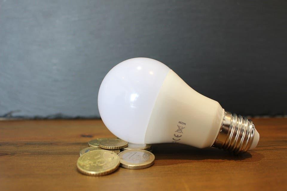 El precio de la luz arranca la semana con un nuevo récord histórico
