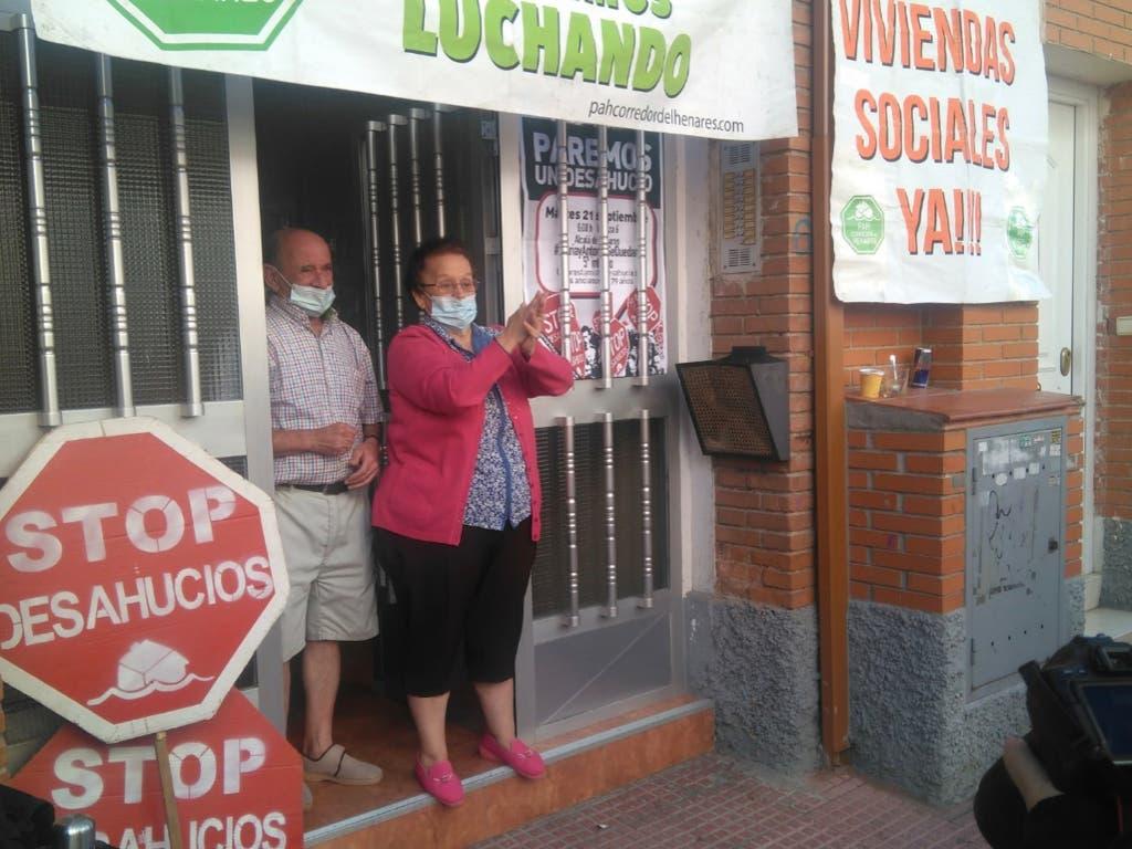 Logran frenar el quinto intento de desahucio de dos ancianos en Alcalá de Henares