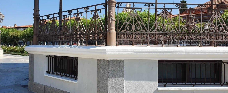 Alcalá de Henares restaura el quiosco de la música de la Plaza de Cervantes