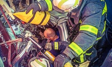 Rescatado un conductor tras permanecer cinco horas sepultado por escombros en Valdelaguna