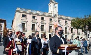Alcalá de Henares celebró su día grande homenajeando a Cervantes