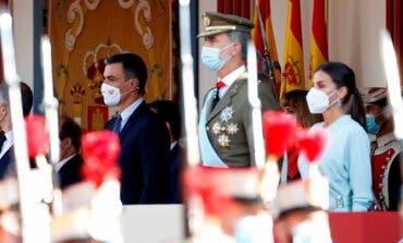 Los abucheos a Sánchez marcan el desfile de la Fiesta Nacional en Madrid