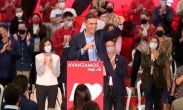 Sánchez insiste en sacar algunas instituciones de Madrid y Ayuso critica el «ataque»