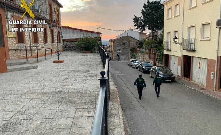 Detenido en Azuqueca por empotrar un coche en un estanco de Horche para robar