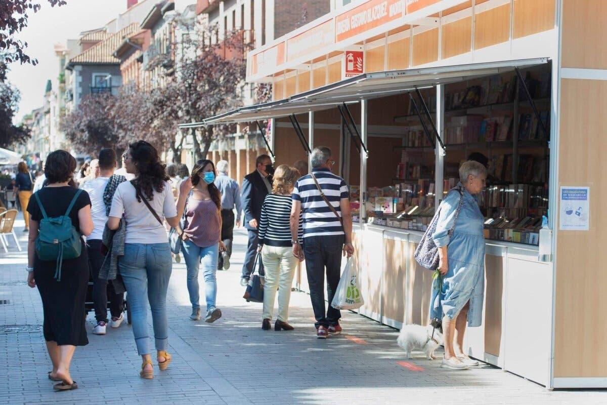 En marcha la Feria del Libro de Alcalá de Henares hasta el día 17